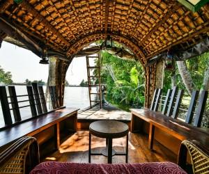 houseboat-2052738_960_720.jpg