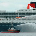 Queen Mary II docks in Cape Town